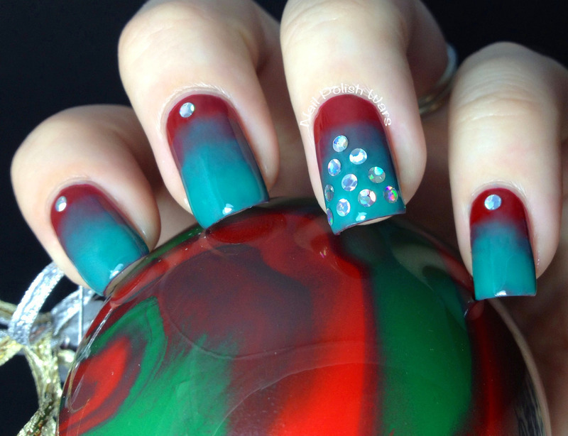 Christmas Grunge nail art by Nail Polish Wars