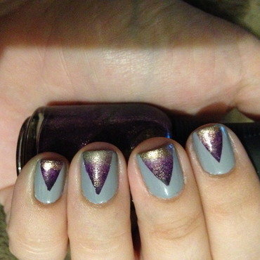 "Taped Sparkly ""V"" Gradient nail art by Nicole"