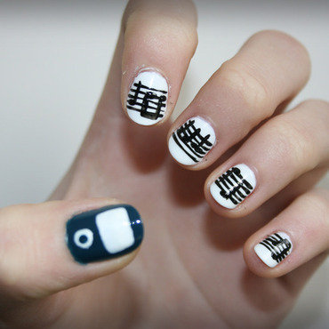 Music from an iPod nail art by NerdyFleurty