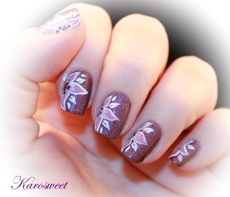Flower power nail art by Karosweet