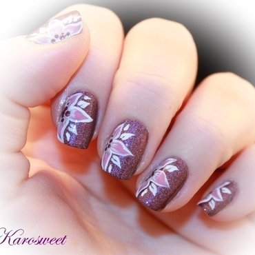 Flower power nail art by Karosweet