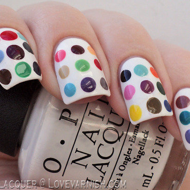 Damien Hirst inspired nail art by Loqi