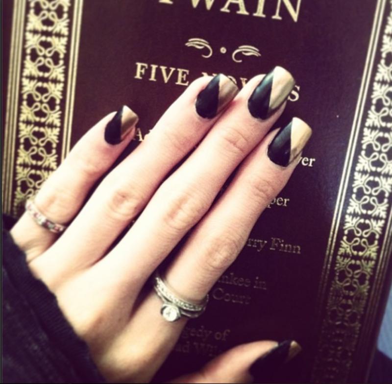 Mark Twain Black & Gold nail art by Tippy Hung