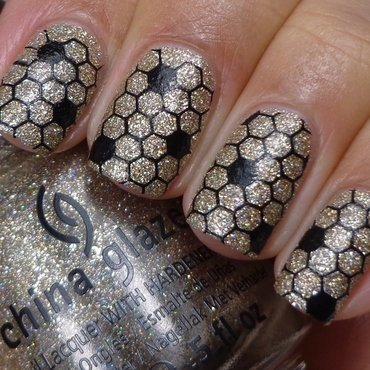 Sparkly Honeycomb nail art by Cynthia