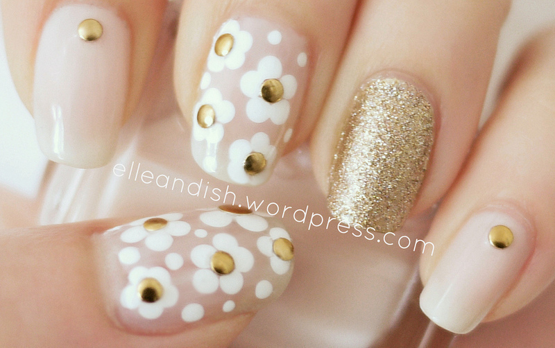 Marc Jacobs Daisy Inspired Nails nail art by elleandish
