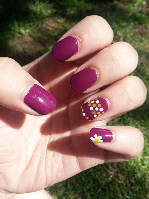 Dots and Daisy nail art by Nikita Natali