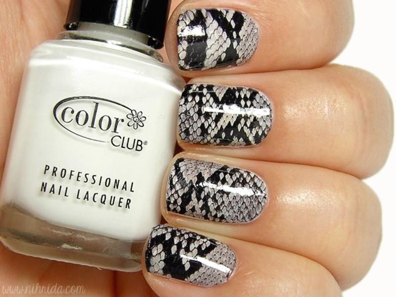 Snakeskin nail art by nihrida