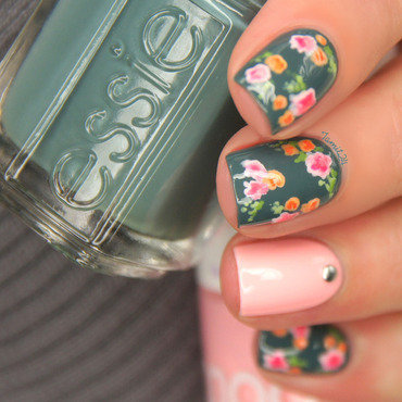 Vintage pastel flower nails nail art by Paulina