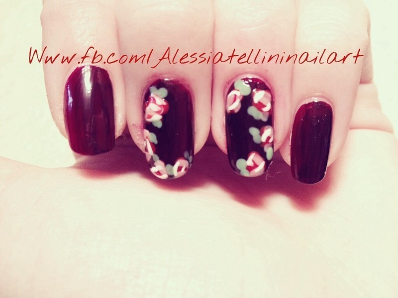 Floreal nail art by Alessia
