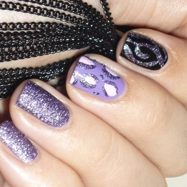 Black and violet nail art by Romana