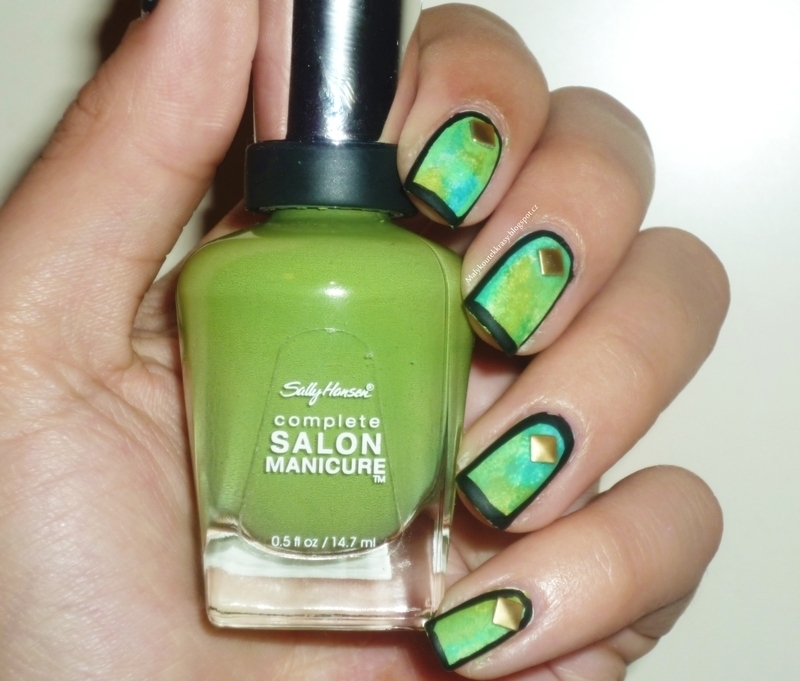 Green cartoon nails nail art by Romana
