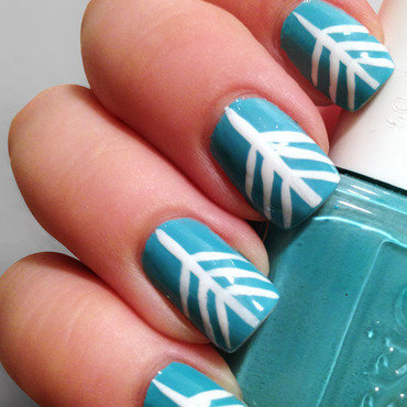 Arrow Head nail art by Katie