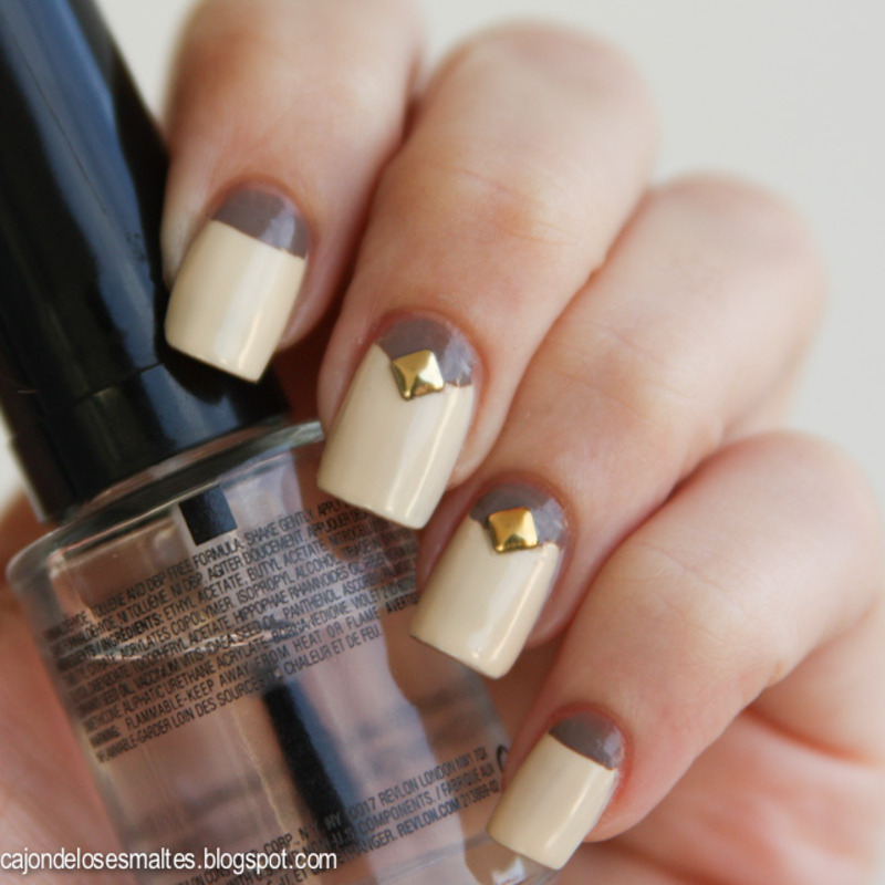 Half moons - Vanilla & Chocolate nail art by Cajon de los esmaltes
