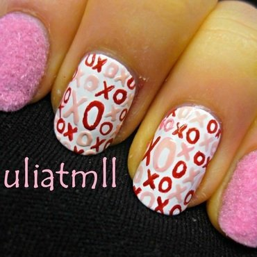 Fuzzy Hugs & Kisses Nail Art nail art by Julia