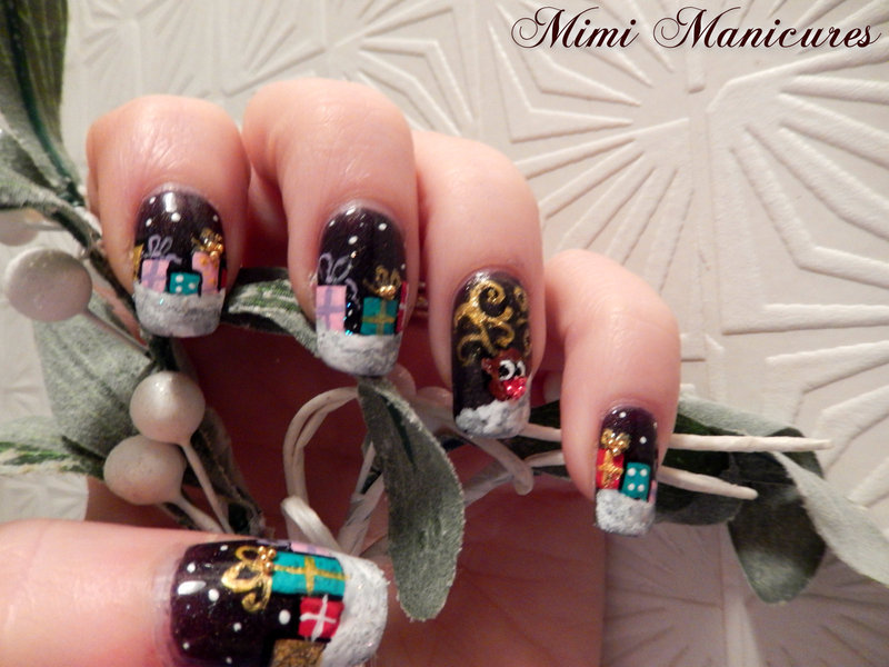 Rudolph peeking pressies! nail art by Michelle Travis
