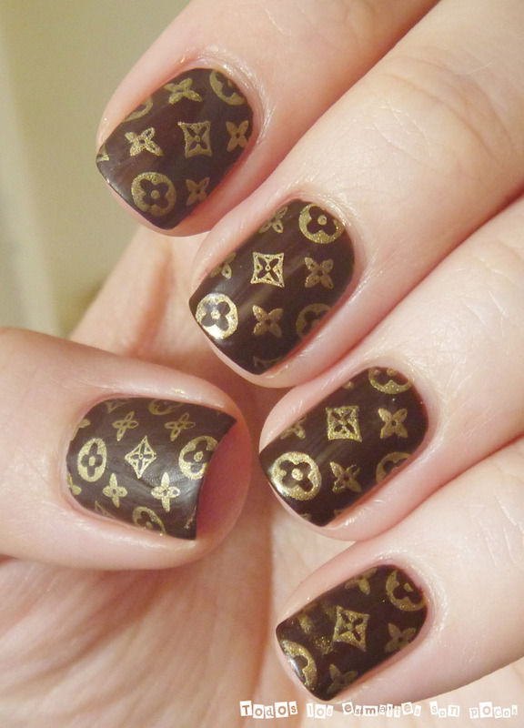 Louis Vuitton classic pattern nail art by Maria