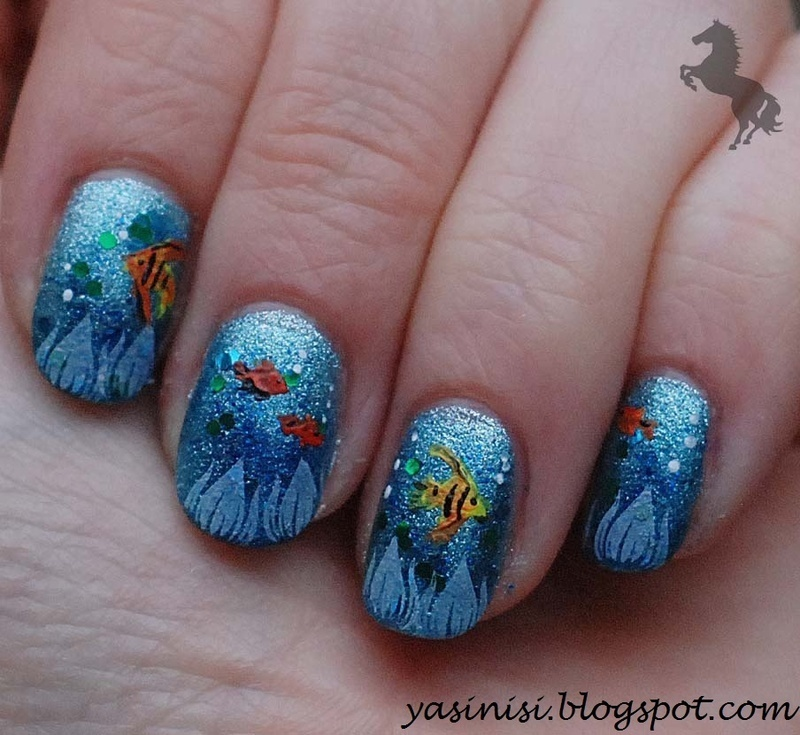 Aquarium nail art by Yasinisi
