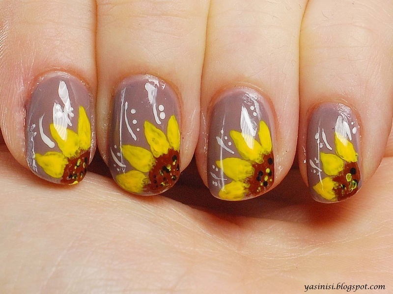 Sunflowers nail art by Yasinisi