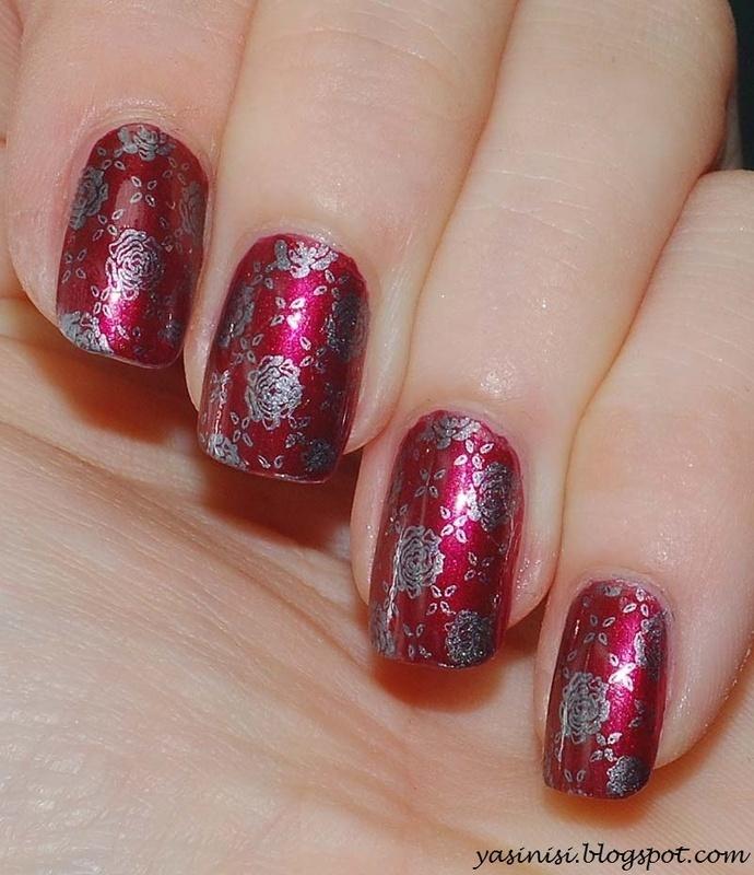 roses nail art by Yasinisi