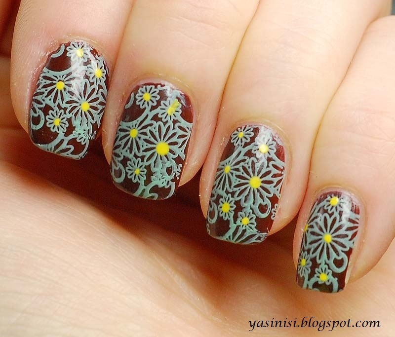 stamps nail art by Yasinisi