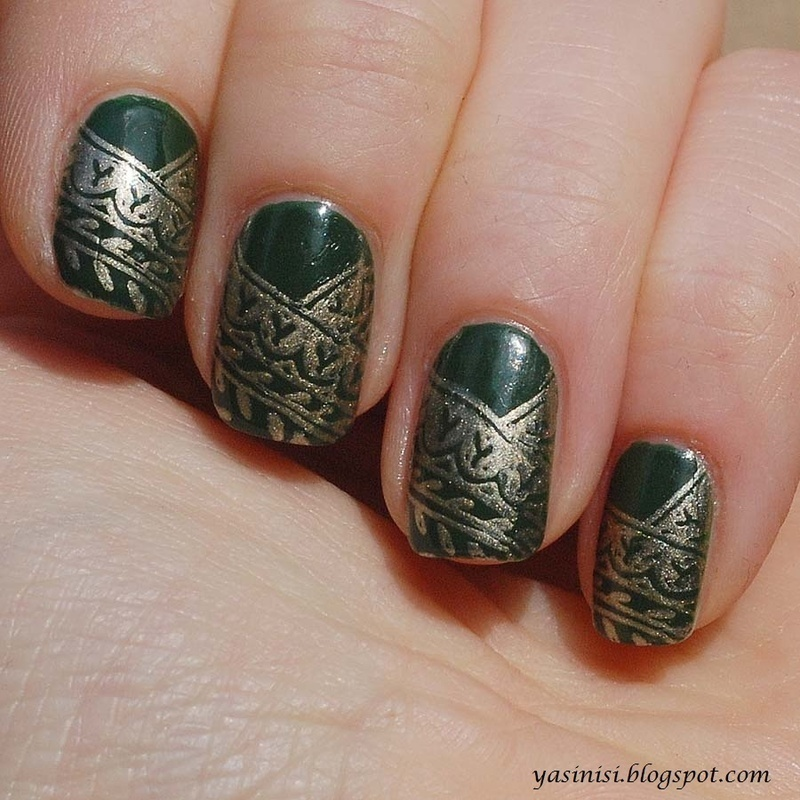 green and gold nail art by Yasinisi