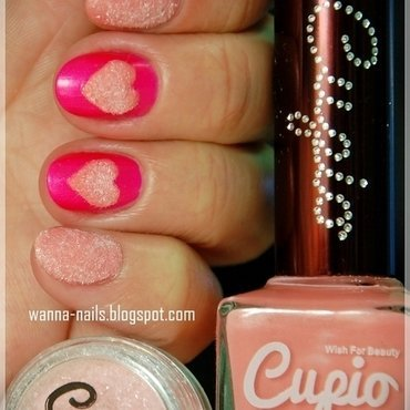 Pink velvet hearts nail art by Oana Chiciu