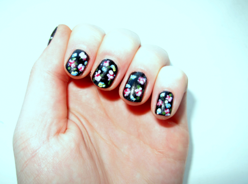 Floral Nails nail art by Madie