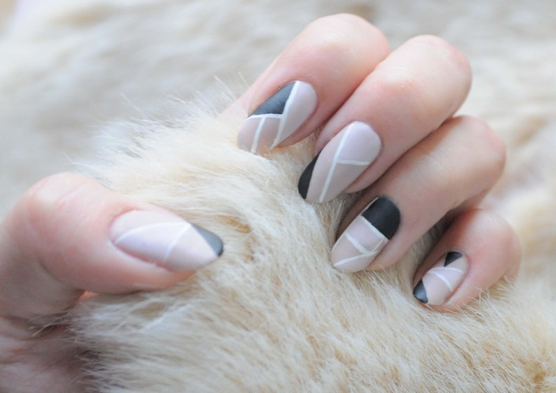 geometric nude nail art by Tiffany Blue