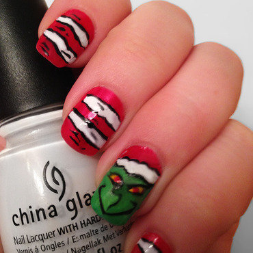 Grinch Nails nail art by Katie