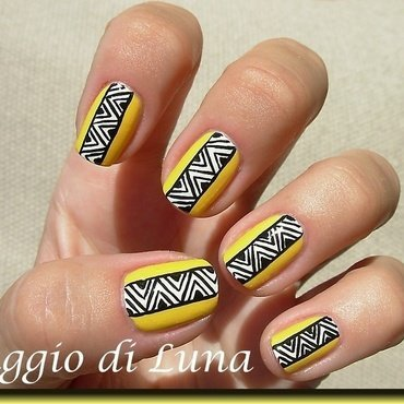 Abstract manicure on yellow nail art by Tanja
