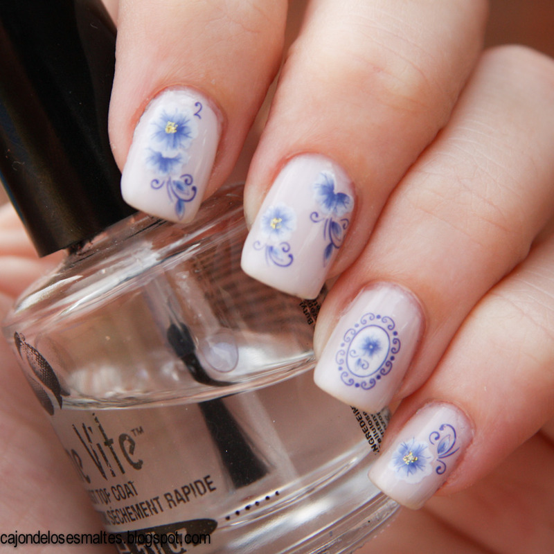 Water decals - Porcelain nails nail art by Cajon de los esmaltes