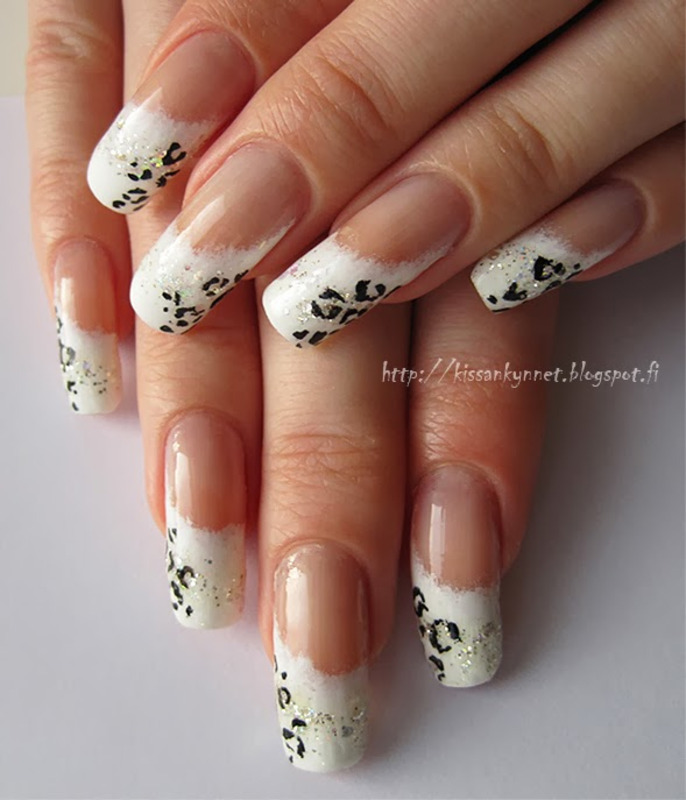 Snow Leopard nail art by Yue