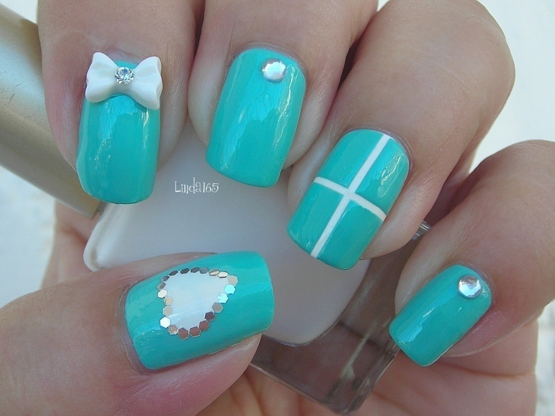 I ♥ Shiny Things nail art by Iliana S.
