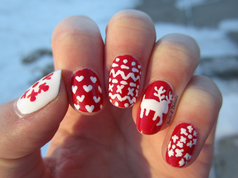 Christmas Sweaters nail art by Nails & Threads
