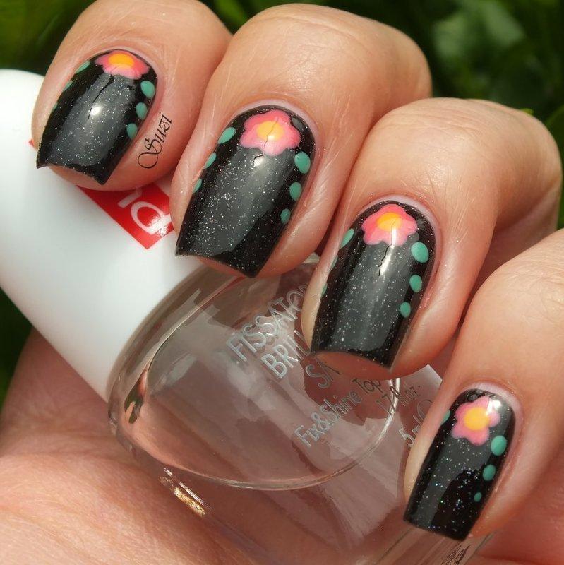 Flowers on black background nail art by Suzi - Beauty by Suzi