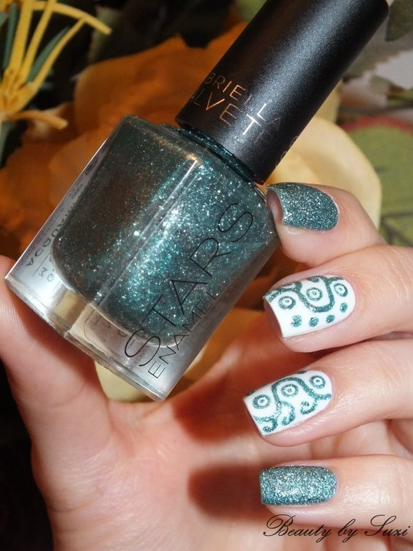 Ornamental nail art by Suzi - Beauty by Suzi