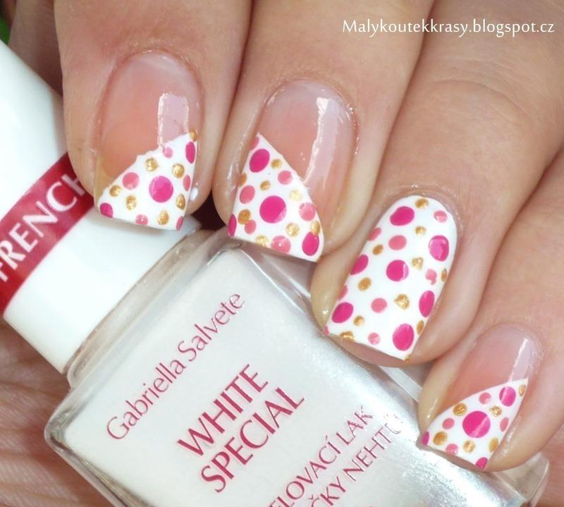 Bubbles nail art by Romana
