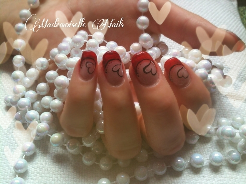 Simple Love nail art by Mathilde