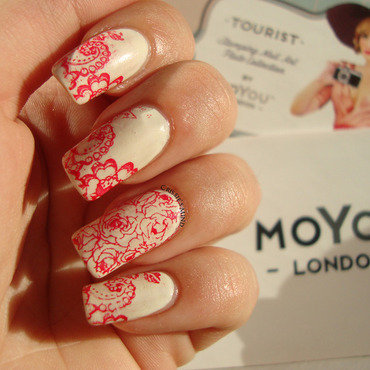 Red Flowers nail art by Christina