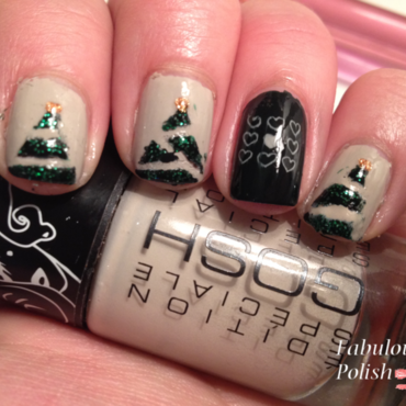 Christmas tree nail art by Arletta van der Sleet