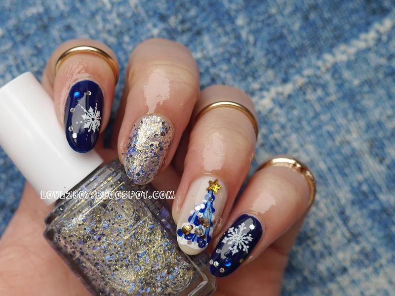 Blue Xmas nail art by Anhy