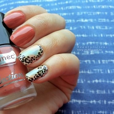 Spotted cheetah nail art by Roxy Ch