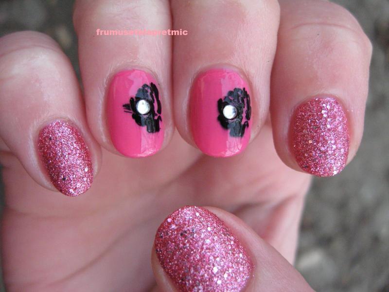 black roses nail art by Frumusetelapretmic