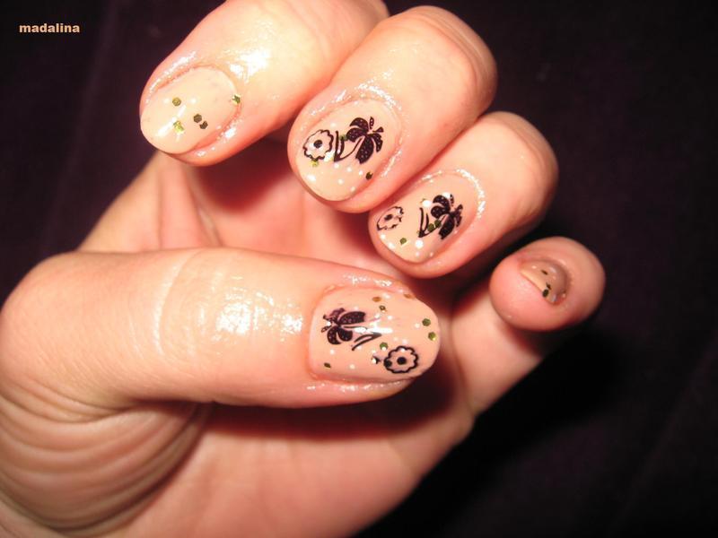 simply nude nail art by Frumusetelapretmic