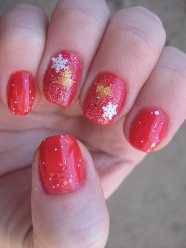 snowflakes nail art by Frumusetelapretmic