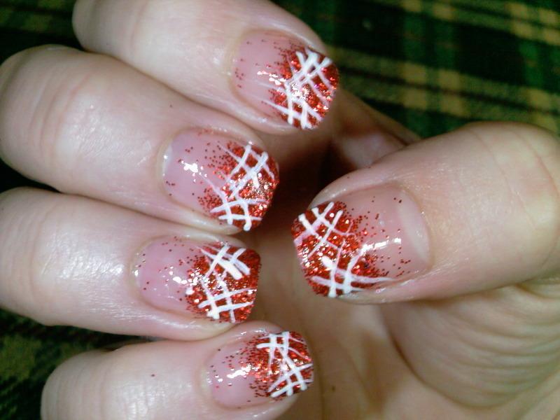 red glitter nail art by Frumusetelapretmic