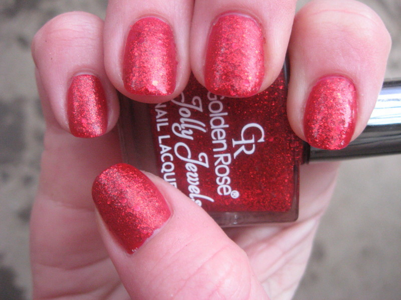 simple red nail art by Frumusetelapretmic
