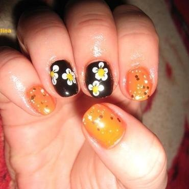 flowers nail art by Frumusetelapretmic