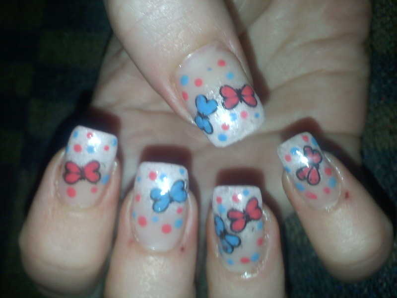 colored dots nail art by Frumusetelapretmic