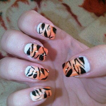 tiger nails nail art by Frumusetelapretmic